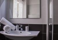 foto seconda stanza bagno 2 (FILEminimizer)
